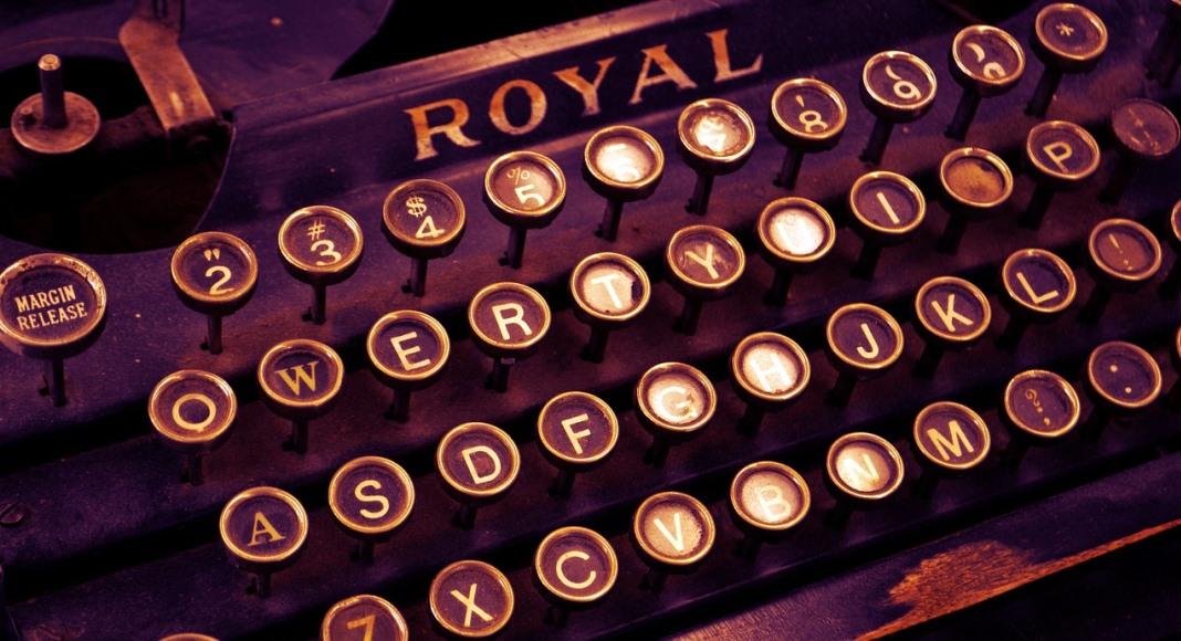 "Si dice macchina ""da scrivere"" o ""per scrivere""?"
