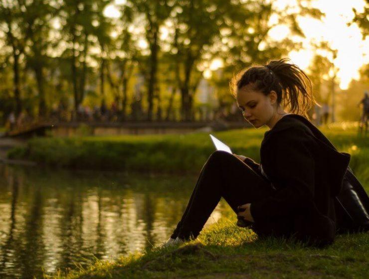 Perché leggere riduce stress e depressione