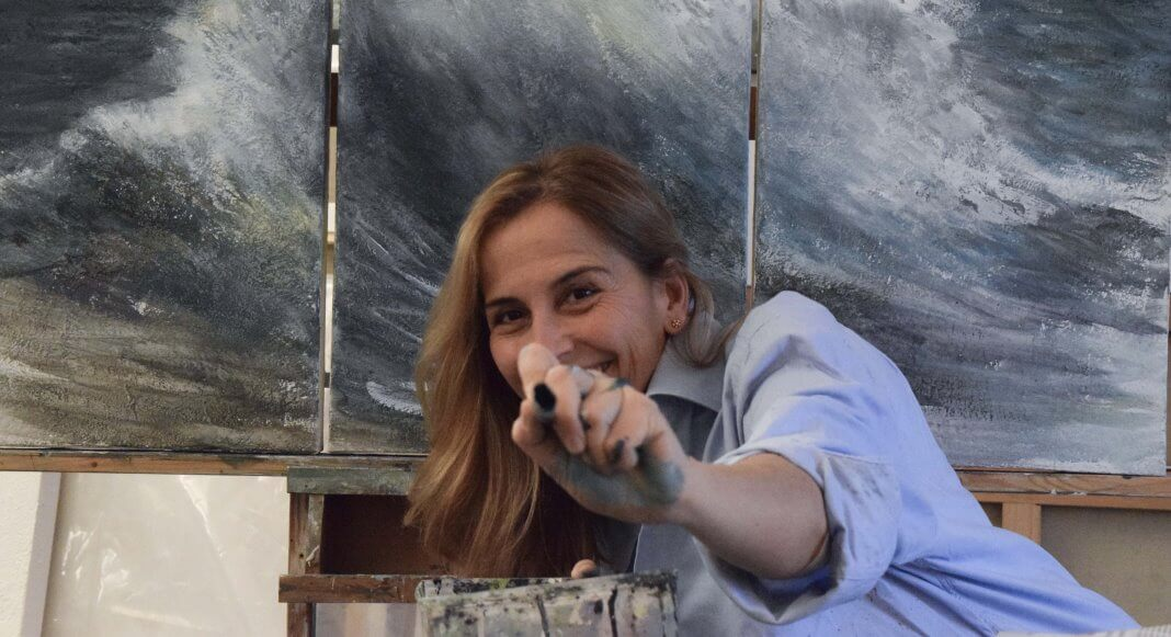 "Susanna Montagna, l'artista soprannominata la ""pittrice di onde"""