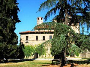 800px Saluzzo Castello della Manta 2