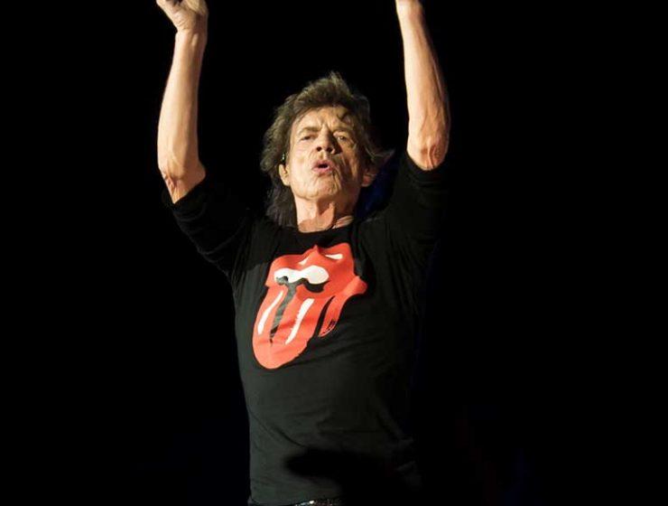 Problemi di cuore per Mick Jagger, rimandato il tour