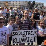 """Greta Thunberg in Piazza del Popolo, """"Non selfie ma soluzioni concrete"""""""