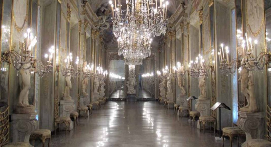 spasso palazzi antichi Genova inaspettata