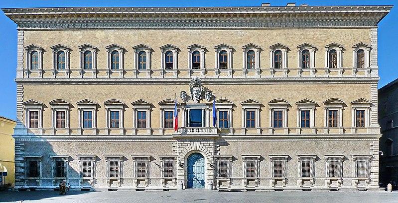 800px Palazzo Farnese Fassade