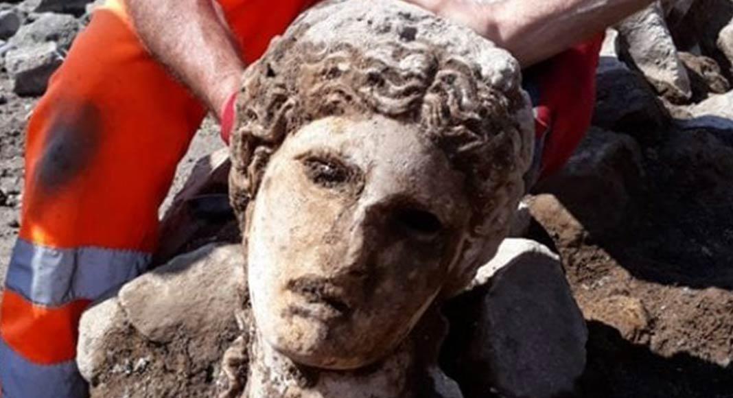 È stata scoperta una statua di Dioniso ai Fori Imperiali di Roma