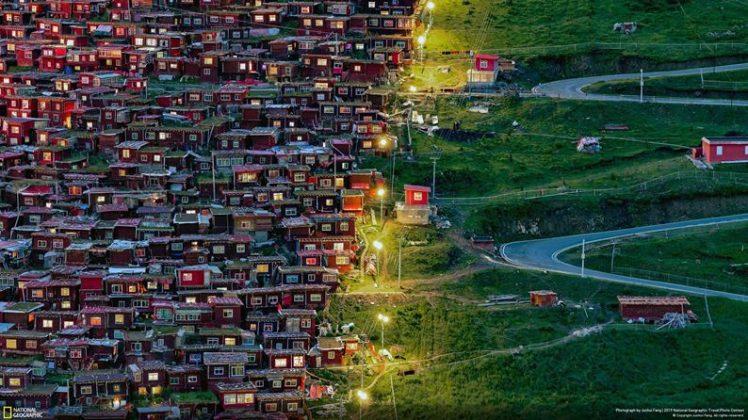 People's Choice 'Città' / Follow the light by Junhui Fang