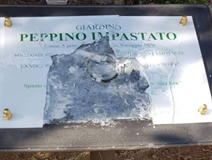 Palermo, distrutta la targa in onore di Peppino Impastato