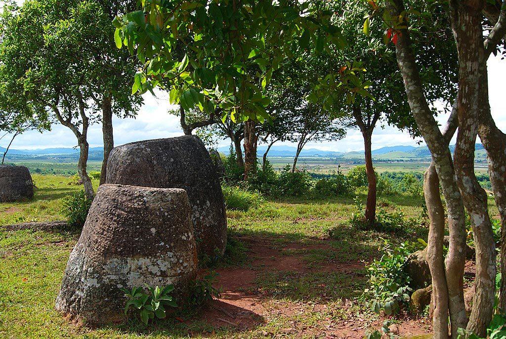 giare megalitiche di Xiangkhoang Laos 1