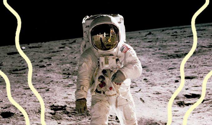 Lo sbarco sulla Luna raccontato in 5 libri