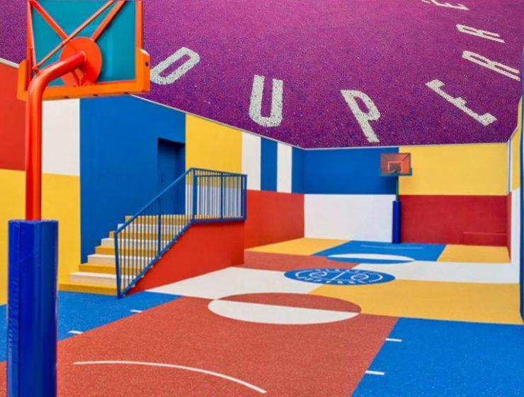 Il campo da basket Playground Duperré di Parigi si rifà il look e si ispira all'arte del '900
