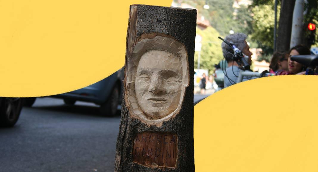 L'artista che scolpisce i volti nei tronchi di alberi di Roma
