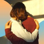 Perché è importante oggi abbracciarsi di più
