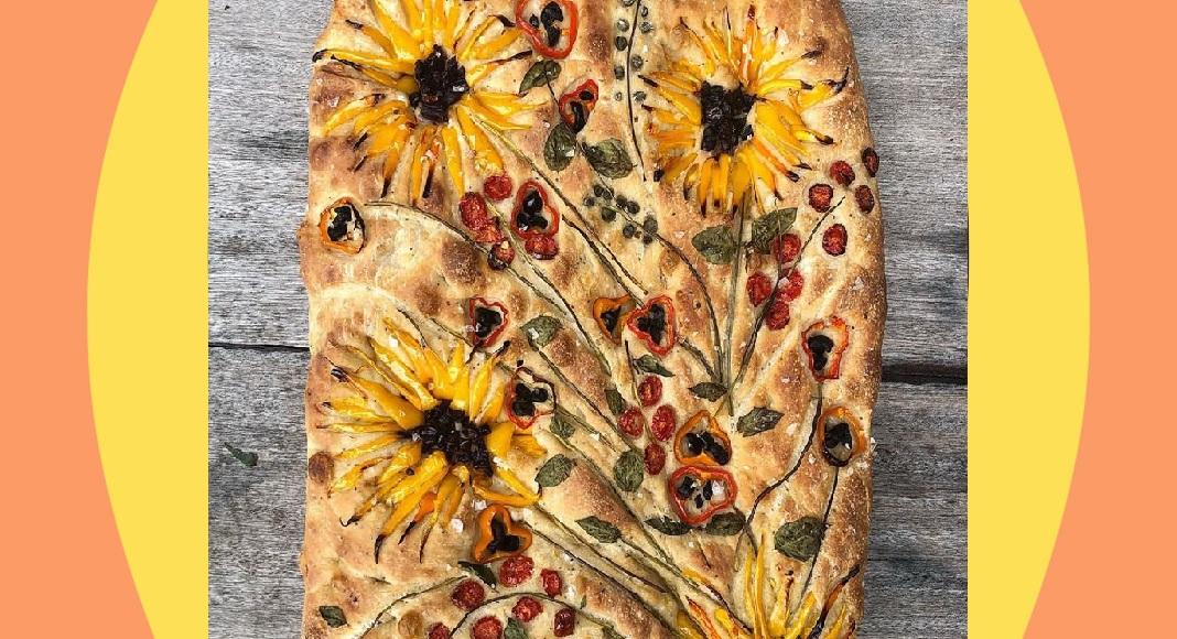 Bread art, una fornaia realizza il pane ispirandosi ai fiori di Van Gogh