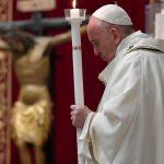 """Veglia di Pasqua, il Papa: """"Non abbiate paura, riconquistate diritto a speranza"""""""