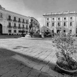 Piazza Archimede con la fontana di Diana