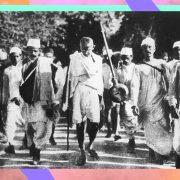 """Il """"Discorso della marcia del sale"""" di Gandhi, un inno alla lotta non violenta"""
