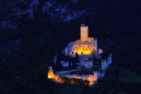 Castello di Avio TN di notte Foto C Gabriele Cavagna 2019