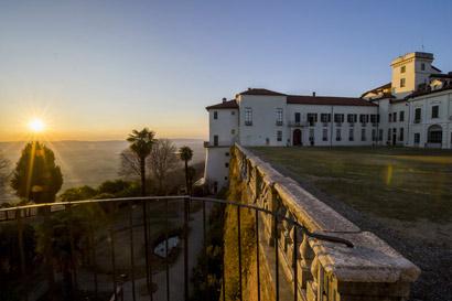 Castello e Parco di Masino TO al tramonto Foto Gabriele Basilico 2017 C FAI Fondo Ambiente Italiano