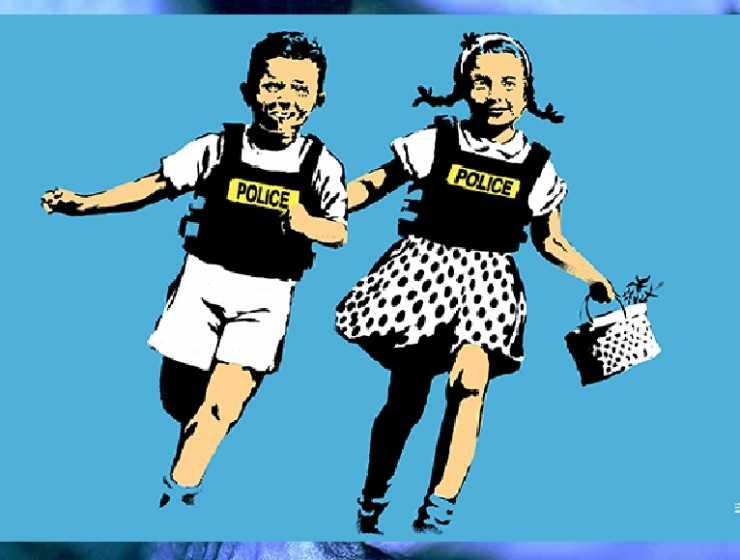 """Banksy, sbarca a Roma la """"visual protest"""" dell'artista misterioso"""