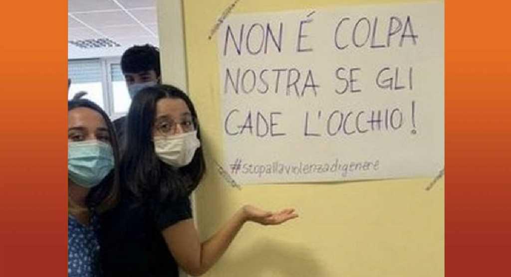 """""""Niente minigonne, ai prof cade l'occhio"""", la rivolta delle studentesse di Roma"""