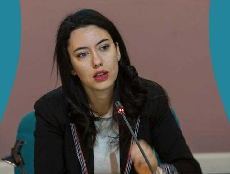"""Azzolina al governatore Emiliano, """"Riaprano subito le scuole in Puglia"""""""
