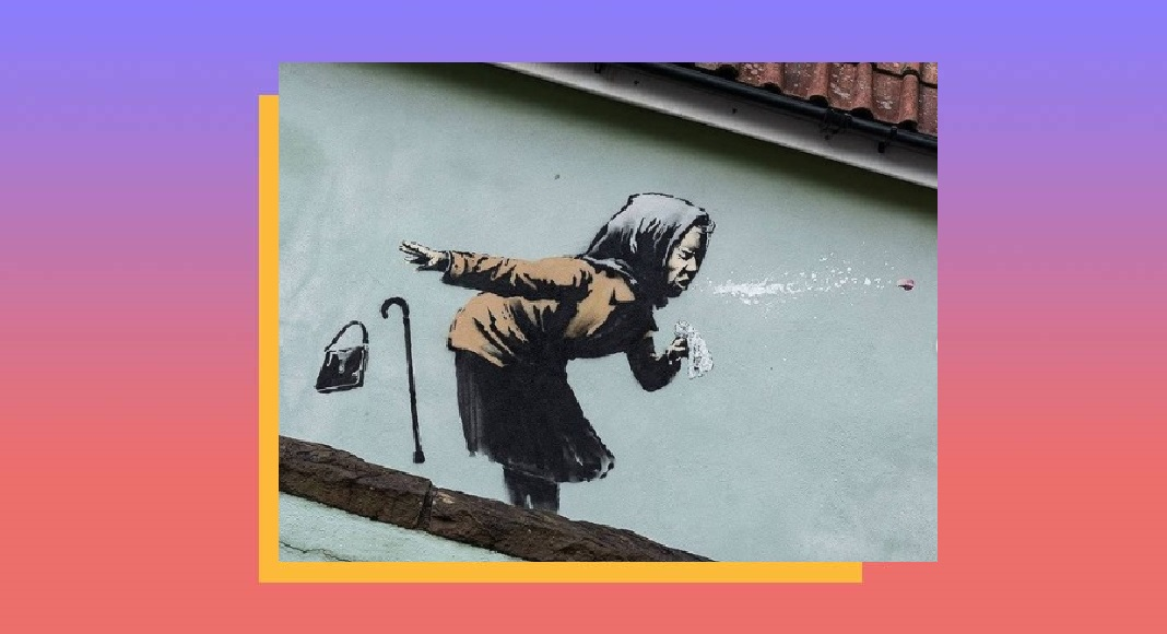 Nuovo graffito di Banksy raffigurante vecchietta che starnutisce