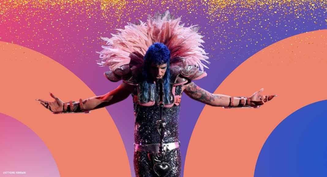 Achille Lauro stravolge il palco di Sanremo. Entra in scena il Glam Rock