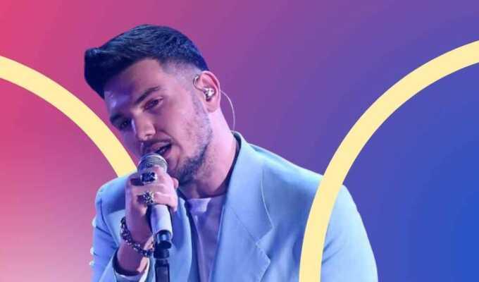 """""""Questa canzone è per mio padre"""": Gaudiano vince Sanremo Giovani"""