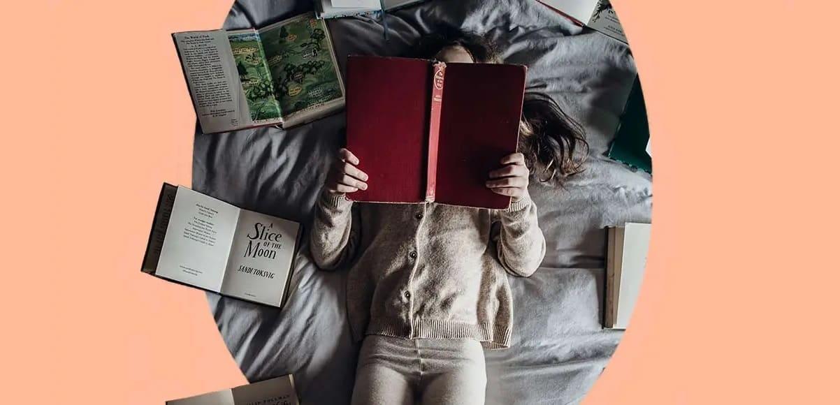 Le 50 frasi celebri più belle sul piacere di leggere
