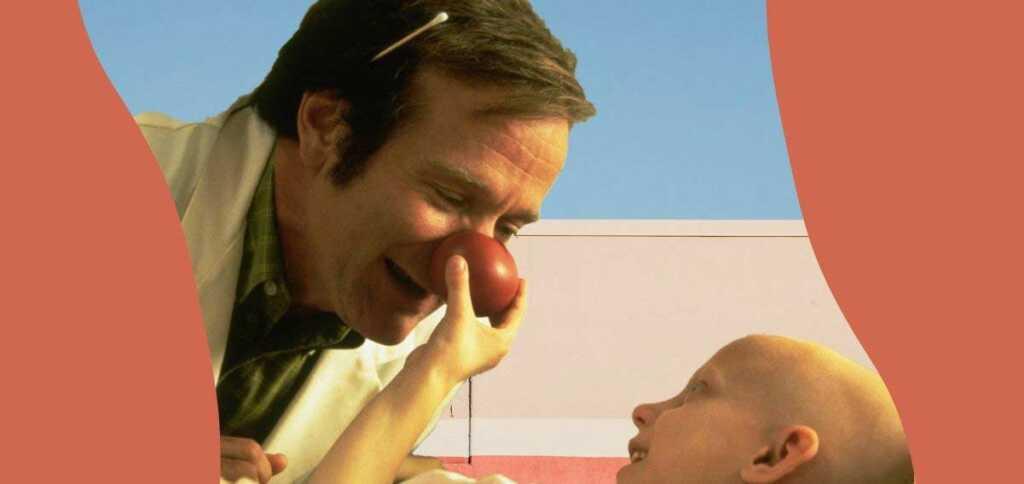 """""""Patch Adams"""", Robin Williams nei panni del medico che inventò la terapia del sorriso"""
