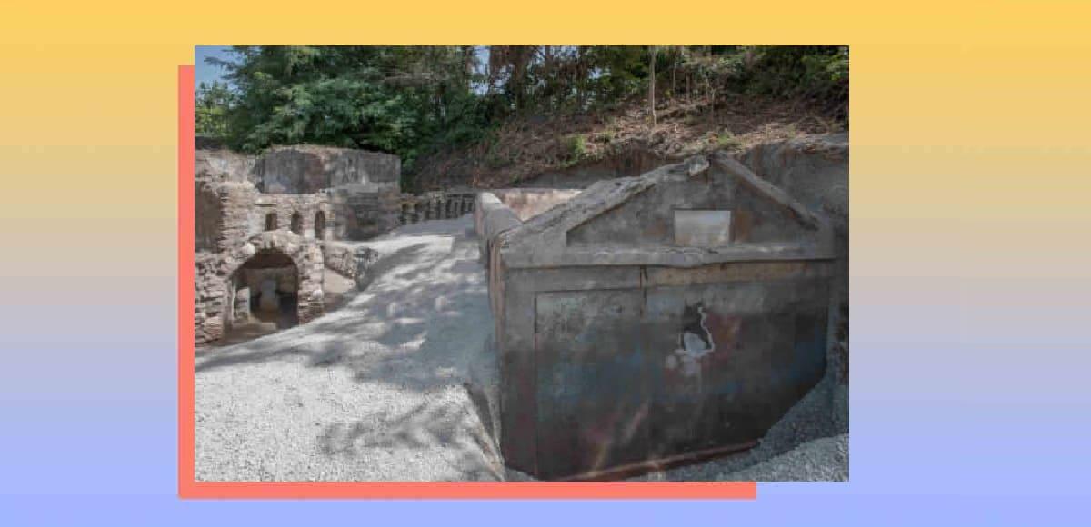 Pompei, scoperta tomba con corpo semi-mummificato